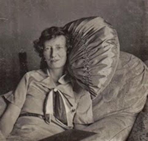 Hoult, Norah - 1940s