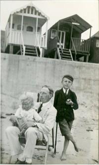 frinton_beach_hut1.1920s