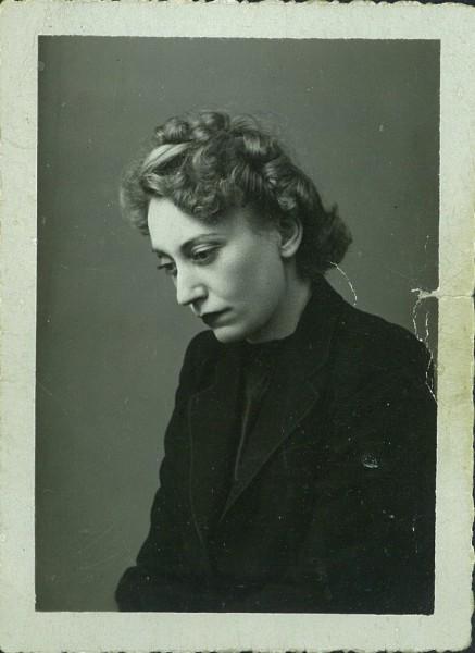 Jacqueline-Mesnil-Amar-746x1024