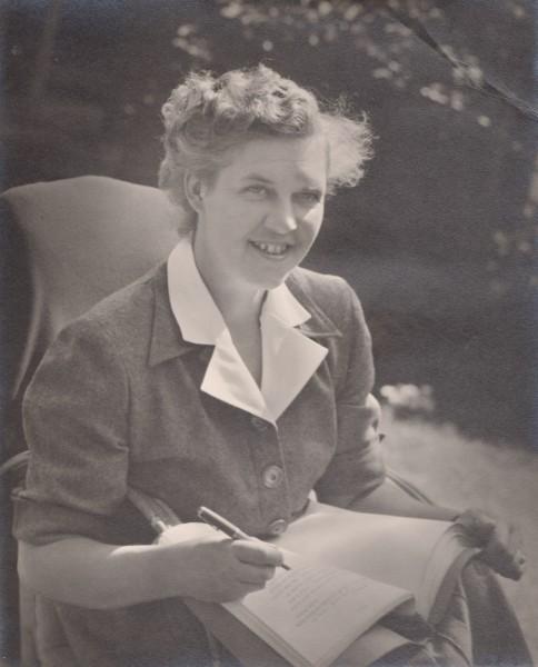 Stella Martin Currey