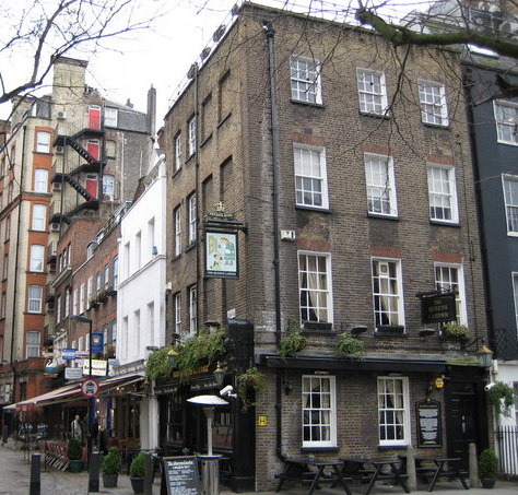 Bloomsbury,_Cosmo_Place_and_The_Queen's_Larder,_WC1_-_geograph.org.uk_-_669420